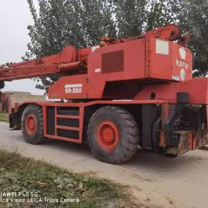 USED  KATO  25TON  ROUGH  TERRAIN  CRANE